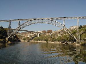 300px-Ponte_Maria_Pia_-_Porto.JPG