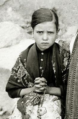Jacinta-marto-fatima-portugal-1917