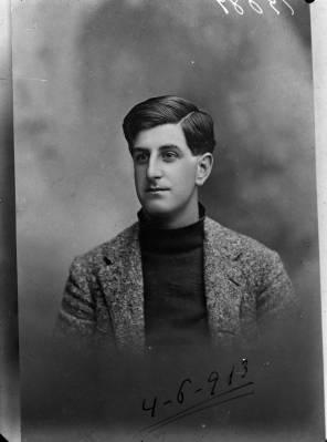 rua-dom-luis-maria-de-noronha-o-primeiro-piloto-aviador-civil-portuguc3aas-tinha-o-brevet-nc2ba-1187-do-aero-club-de-franc3a7a-1913
